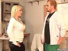 Brooke Adroit in specific xxx treatment