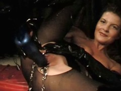 S&m loving german yon latex widens her love tunnel about clamps
