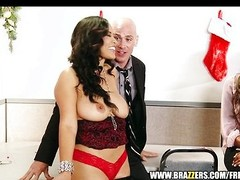 Secretary Jessica Bangkok livens up party