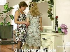 Tessa&Katrine live lesbo older act