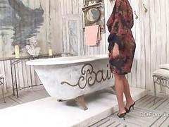 Jasmine Dark screwed in the baths